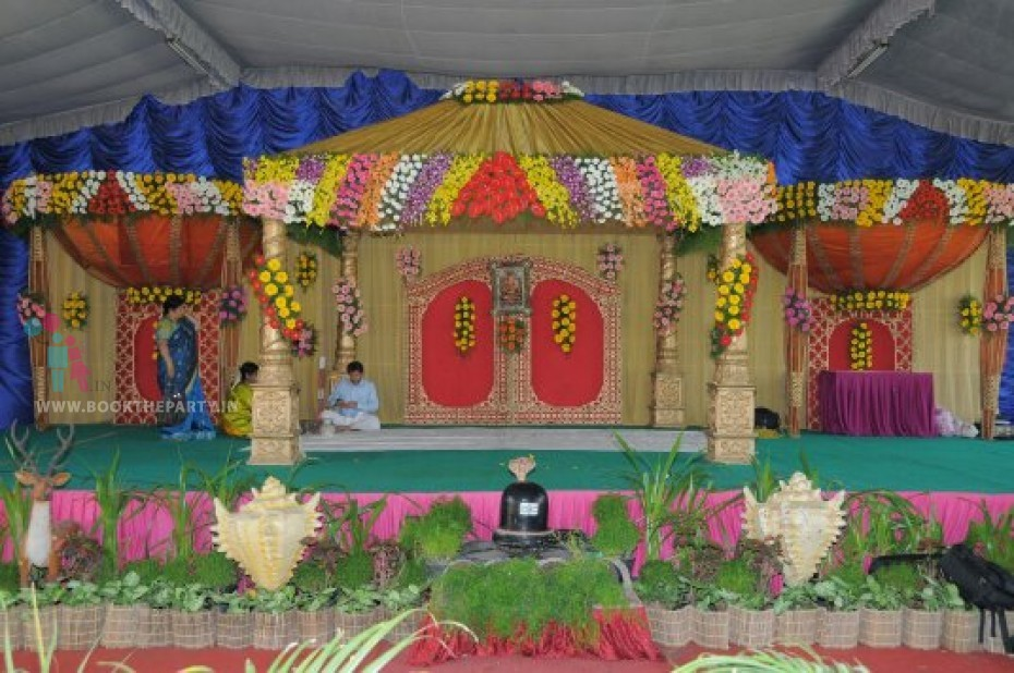 Golden Drapes Mandapam With Side Domes