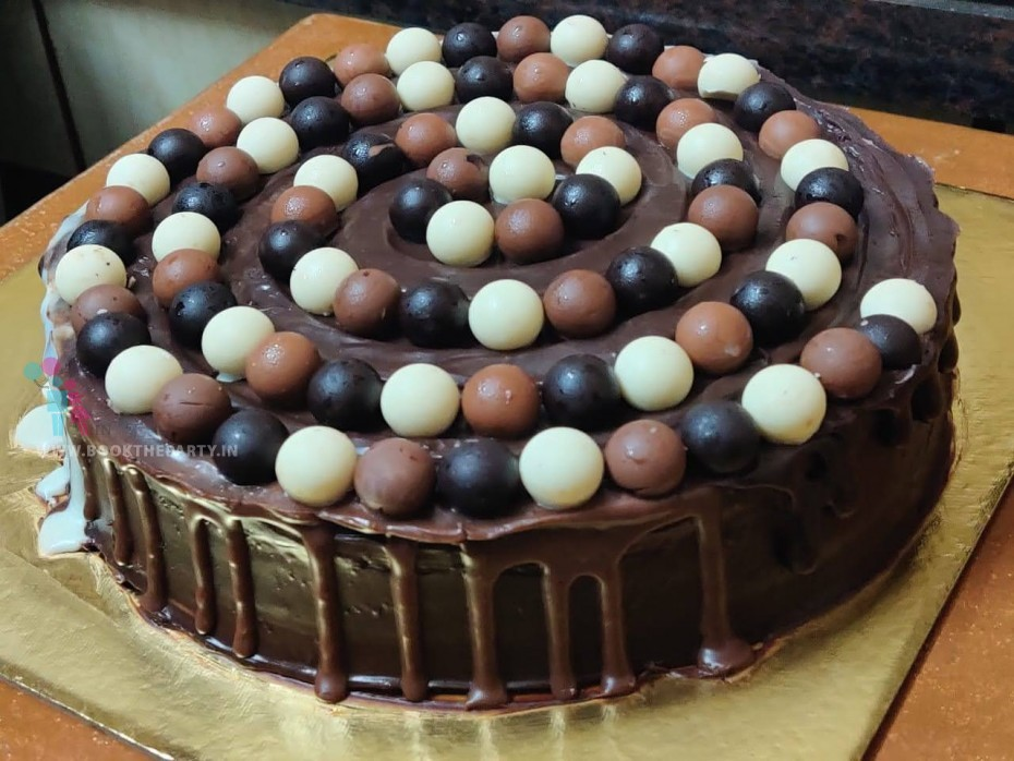 The Trio Chocolate
