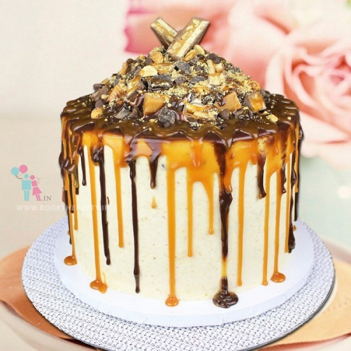 Snickers Mud Cake