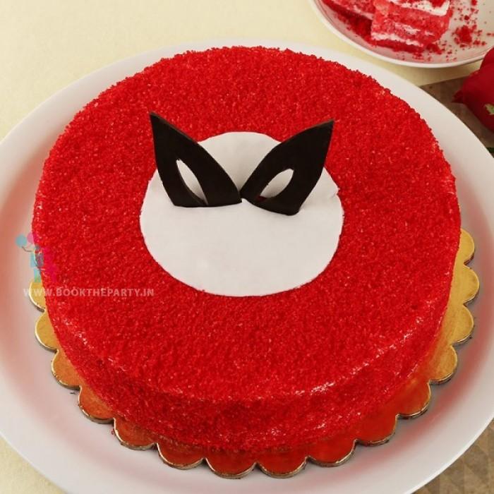 Round Red Velvet Cake