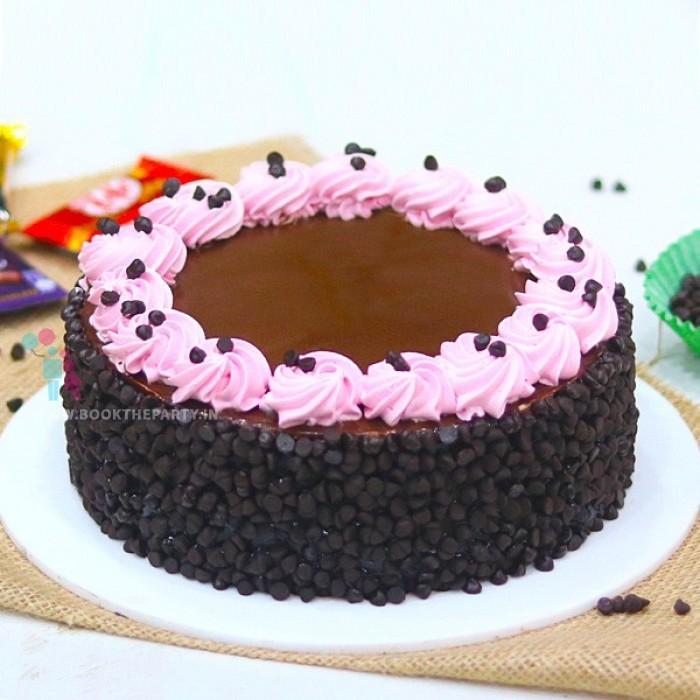 Creamy Chocolate Chip Cake