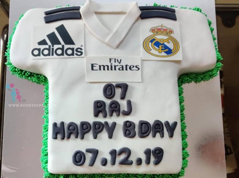The Football Theme Cake