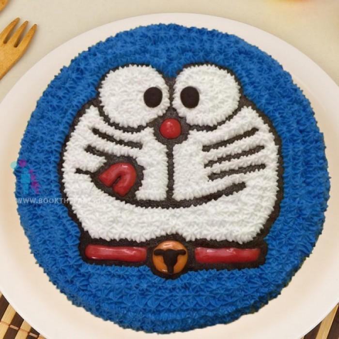 Creamy Doraemon Cake