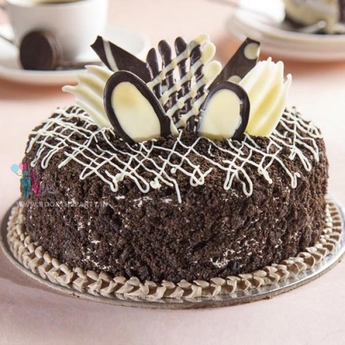 Oreo Crunch Cake