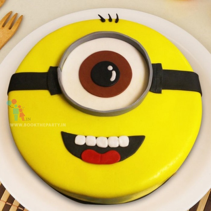 Cutest Minion Cake