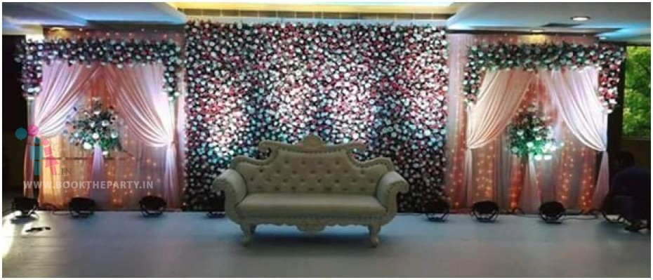 Illuminated Drapes with Flower Pasting Theme