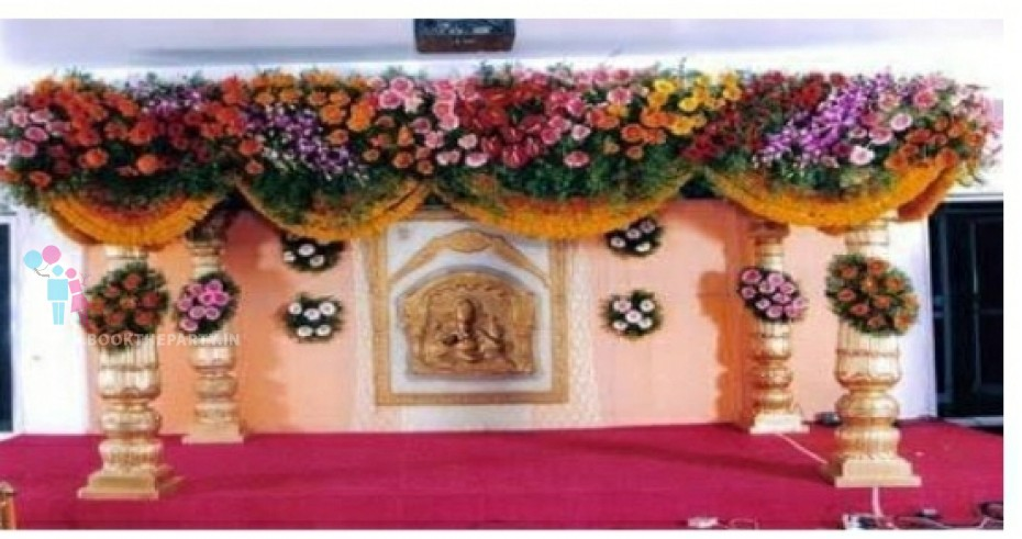 Drapes with Square Mandapam