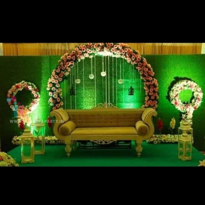 Artificial Green Mat with Floral Decoration