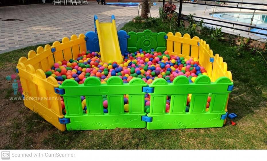 Ball Pool 8 x 8