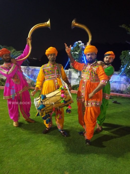 Dhol Tutari Team of 4 Artists