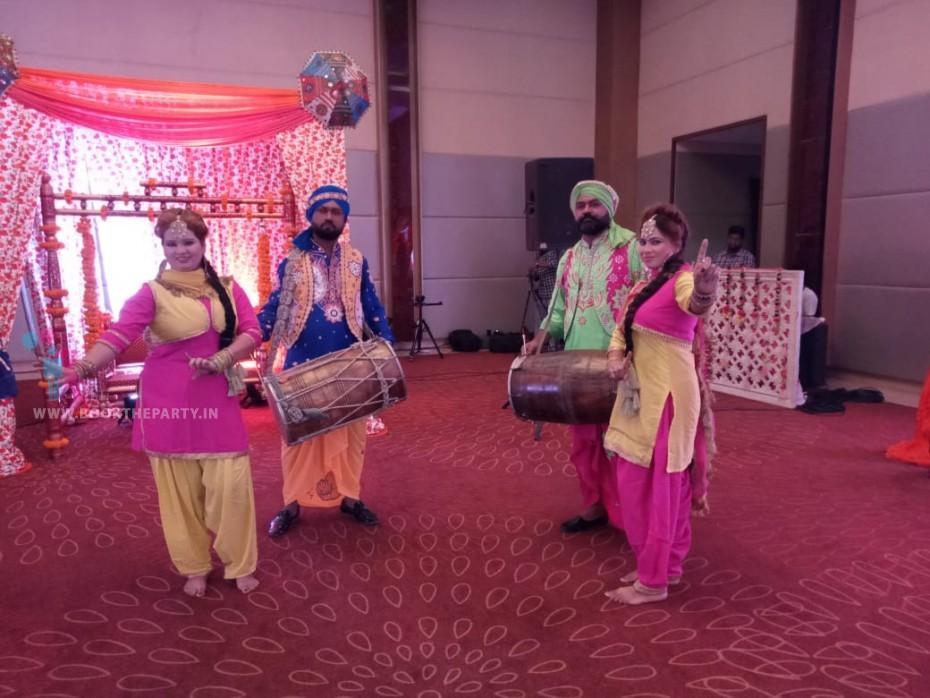 Punjabi Bhangra Dancers