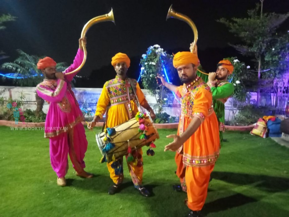 Dhol Tutari Team of 4 Artists